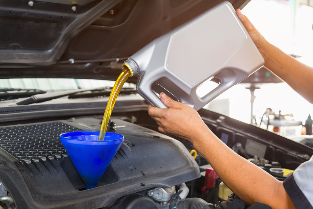 Symptoms of Having the Wrong Engine Oil In Your Car